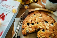 Blueberry Cake with almond and coconut