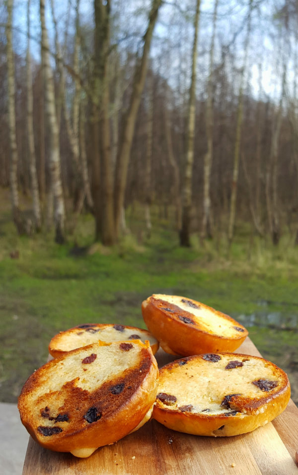 a recipe for hot cross buns that you can enjoy in the woods
